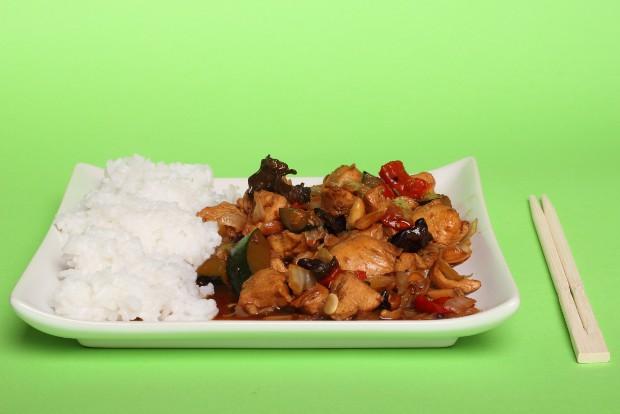 kineska piletina sa kikirikijem